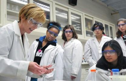 LIBER-mujeres-en-la-ciencia