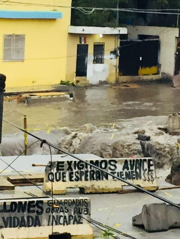 lIBER-AGUA Socavón de drenaje pluvial en construcción, Col. Santa Lucía (Foto Luis Marroquín) (1)
